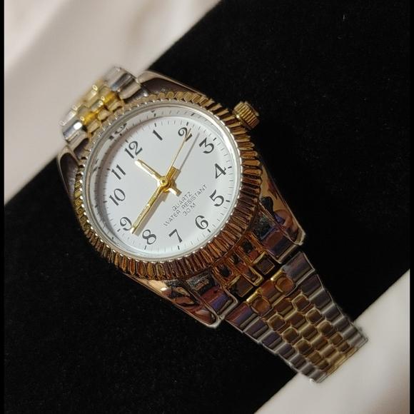 Vintage Water Resistant Quartz Wrist Watch
